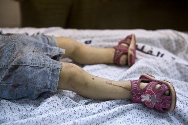 Resultado de imagen para Niña en una morgue