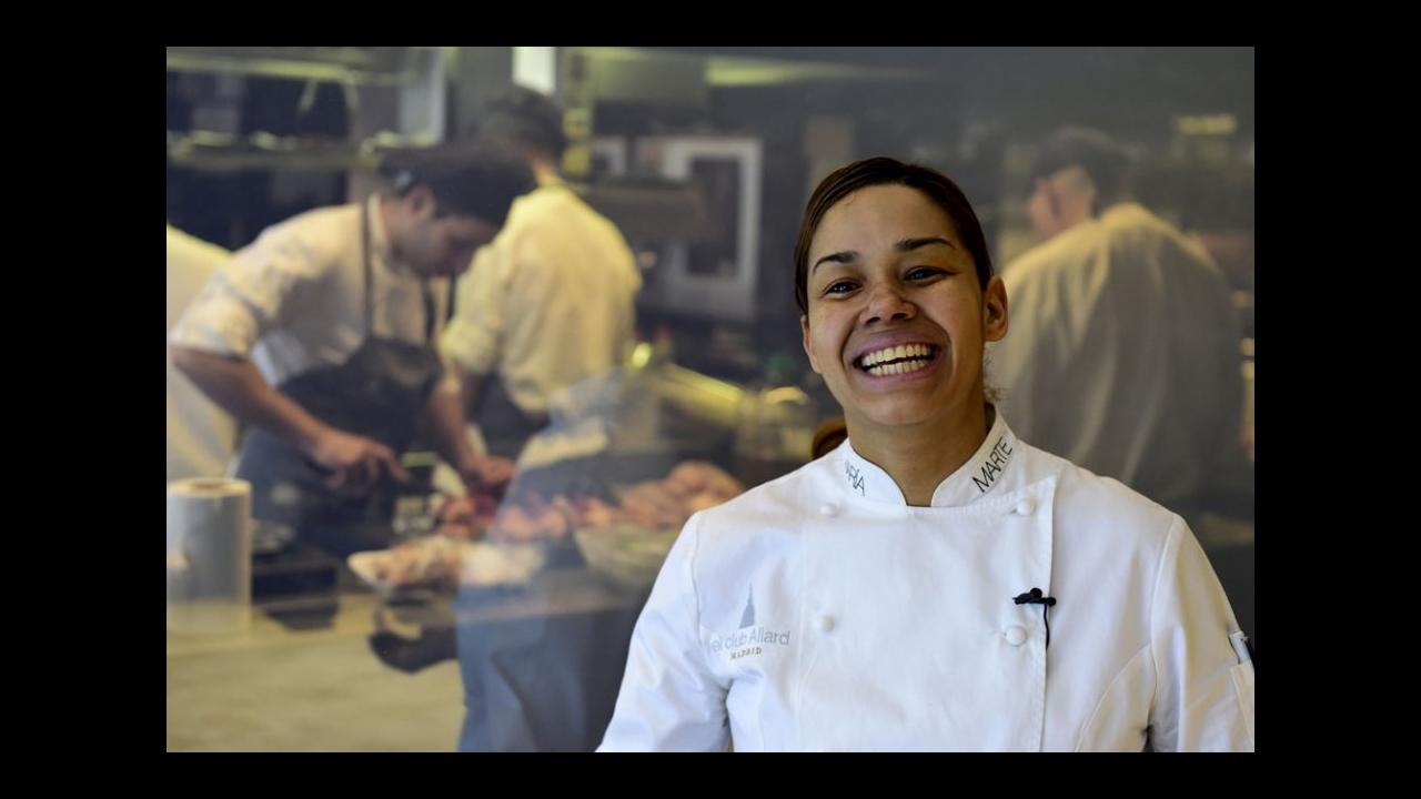 Contemporáneo Muestra De Reanudación Para El Asistente De Chef Friso ...